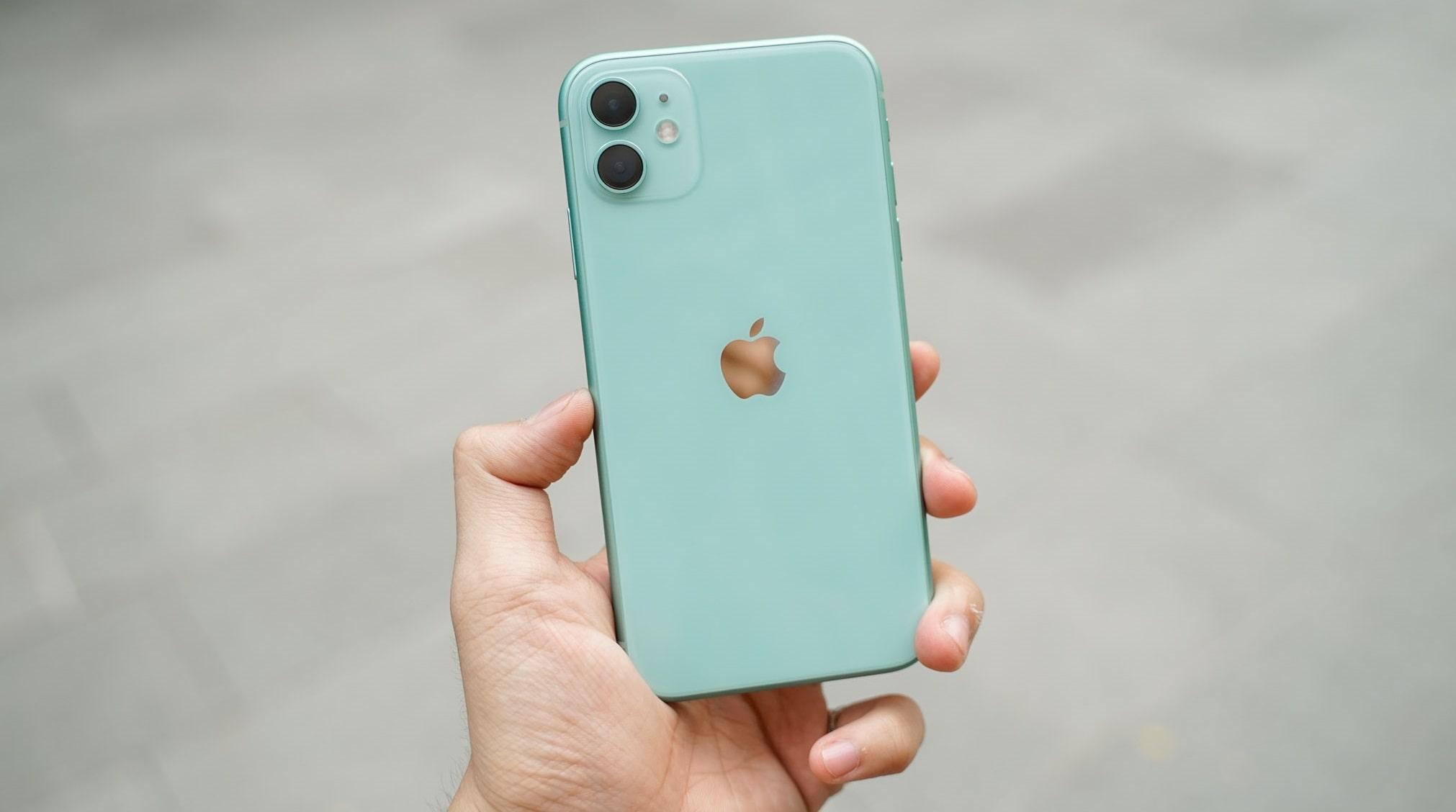 iPhone LL/A của nước nào? sản xuất ở đâu?